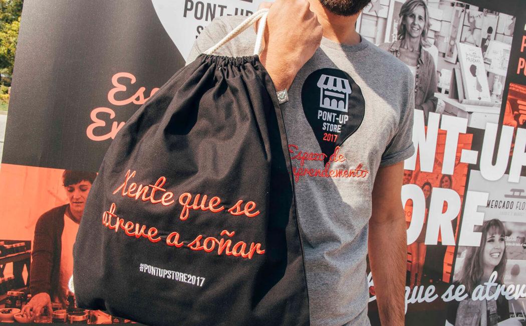 Detalle Bolsa Y Camiseta Personalizadas Para Pont-Up Store